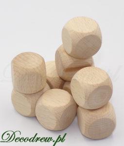 Małe drewniane kostki do gier bez oznaczeń surowe naturalne