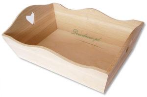 Drewniana tacka z serduszkiem