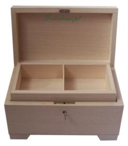 Drewniany kufer kluczyk