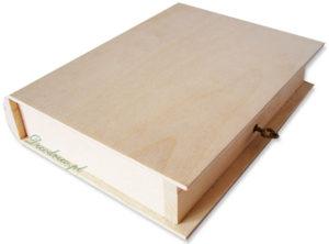 drewniana książka na kluczyk