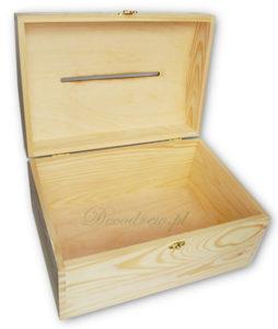 Drewniany kufer na ślub.