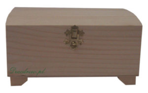Drewniane pudełeczko z zapieciem ozdobnym