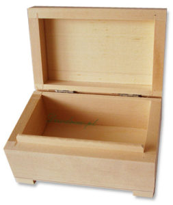 Drewniany kuferek