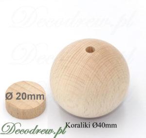 Produkcja galanteri drewnianej toczonej. Duże drewniane kulki na korale z otworem na wylot do przewlekania sznurka.