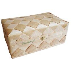 Wyplatany kufer z łyka