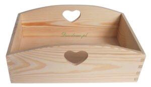 Pojemnik drewniany z sercem.