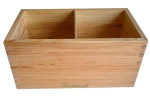 Drewniana skrzyneczka na przyprawy kuchenna kuchnia.