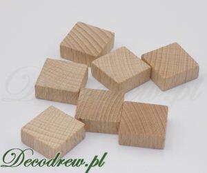 Kwadratowe znaczniki do gier planszowych. Square tags for board games.