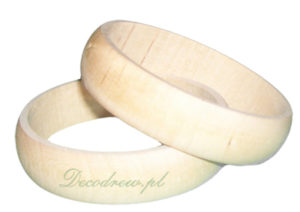 Produkcja biżuteri drewnianej. Bransoletka toczona.