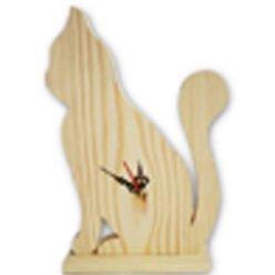 Drewniany zegar wycinanka w kształcie kota.