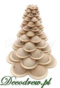 Produkcja galanterii drewnianej toczonej.