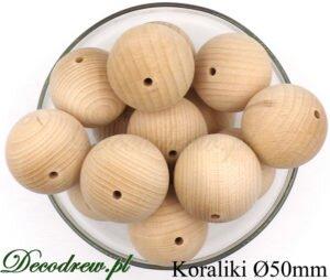W produkcji mamy też korale drewniane kolorowe malowane lakierem. Na zdjeciu duże drewniane koraliki 50mm surowe nie barwione.